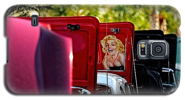 Galaxy S5 Case featuring the photograph Cool Hood by Pamela Blizzard
