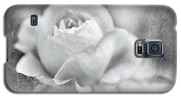 Galaxy S5 Case featuring the photograph Cool Rose by Annie Snel