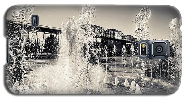 Coolidge Park Fountains Galaxy S5 Case by Steven Llorca