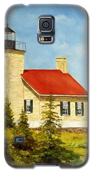 Galaxy S5 Case featuring the painting Copper Harbor Lighthouse by Lee Piper