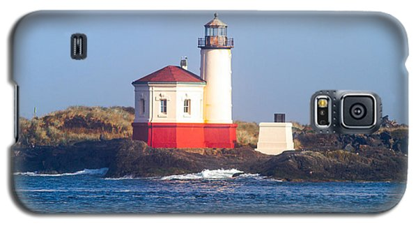 Galaxy S5 Case featuring the photograph Coquille Lighthouse by Dennis Bucklin