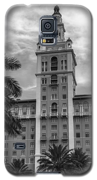 Coral Gables Biltmore Hotel In Black And White Galaxy S5 Case by Ed Gleichman