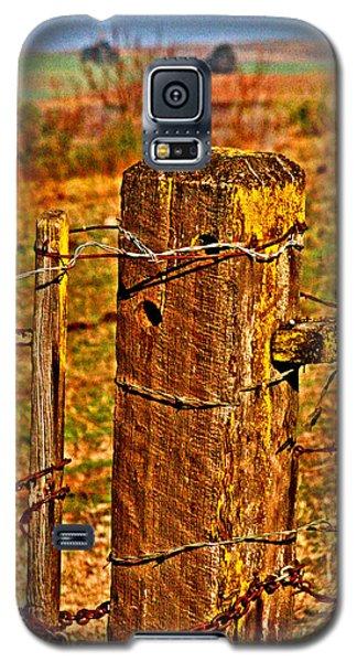 Corner Post At Gate Galaxy S5 Case