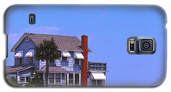 Galaxy S5 Case featuring the photograph Cottage Blue by Laura Ragland