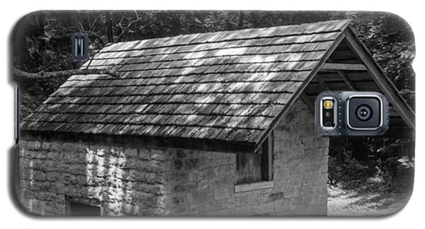 Cottage By The Stream At The Hermitage Galaxy S5 Case by Robert Hebert
