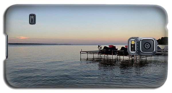 Galaxy S5 Case featuring the photograph Cottage Sunset 2  by Lyle Crump