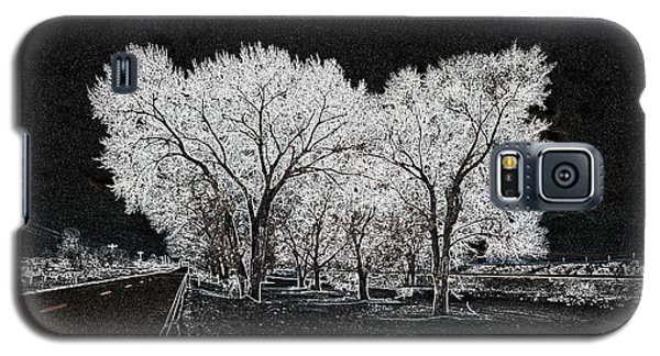 Galaxy S5 Case featuring the digital art Cottonwood Frost by Aliceann Carlton