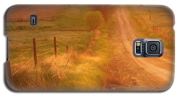 Galaxy S5 Case featuring the photograph Counrty Sunshine by Shirley Heier