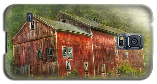 Country Barn Galaxy S5 Case by Kathleen Holley