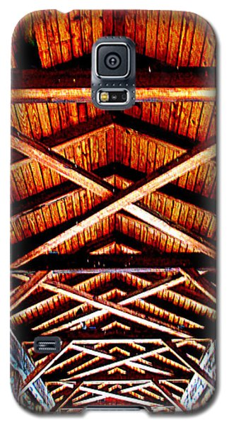Covered Bridge Structure Galaxy S5 Case by Randall Weidner