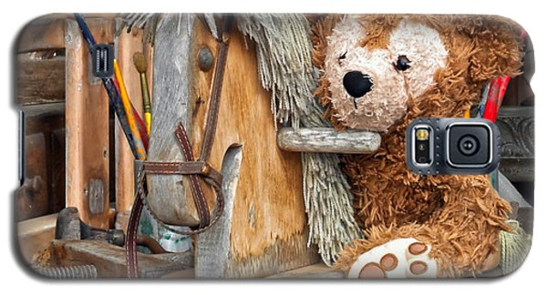 Galaxy S5 Case featuring the photograph Cowboy Bear by Thomas Woolworth