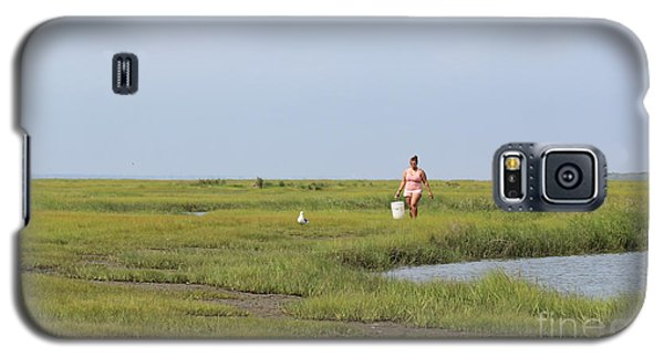 Galaxy S5 Case featuring the photograph Crabbing At Mystic Island by David Jackson