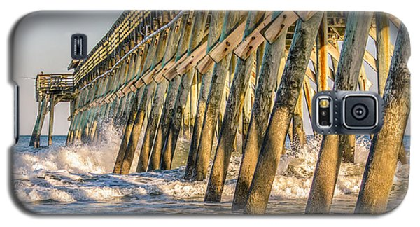 Galaxy S5 Case featuring the photograph Crash by Rob Sellers