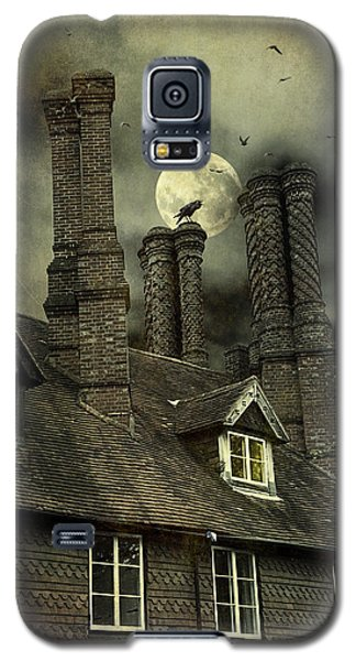Galaxy S5 Case featuring the photograph Creepy Old House With Tall Chimney's by Ethiriel  Photography