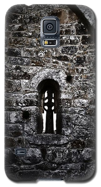 Crosses And Stone Walls At Clonmacnoise Galaxy S5 Case