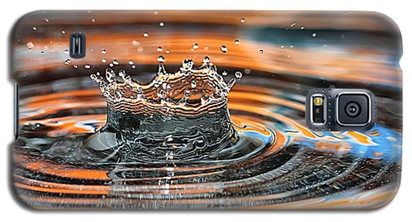 Galaxy S5 Case featuring the photograph Crown Shaped Water Drop Macro by Teresa Zieba