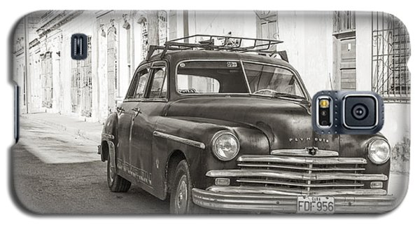 Galaxy S5 Case featuring the photograph Cuba Cars I by Juergen Klust