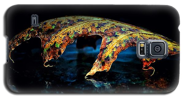 Curved Leaf Reflections Galaxy S5 Case