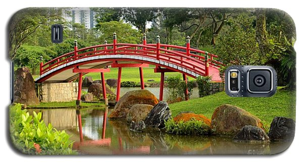 Curved Red Japanese Bridge And Stream Chinese Gardens Singapore Galaxy S5 Case