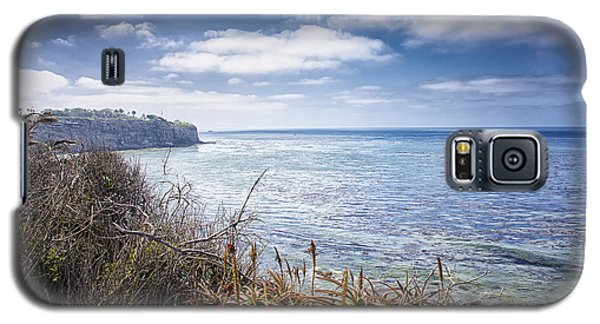 Galaxy S5 Case featuring the photograph Curved Shoreline by Joseph Hollingsworth