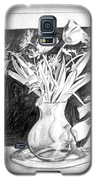 Cut Flowers And Fireplace Galaxy S5 Case by Mark Lunde