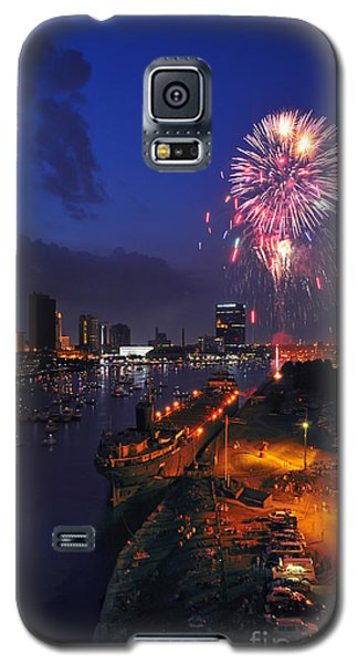D12u470 Red White And Kaboom In Toledo Ohio Photo Galaxy S5 Case