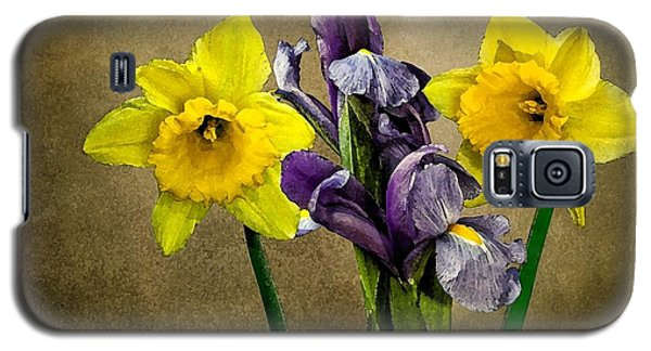 Daffodils And Iris Galaxy S5 Case