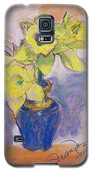 Daffodils In Blue Italian Vase Galaxy S5 Case