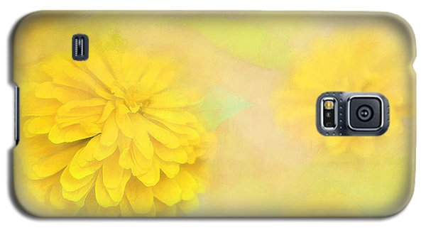 Galaxy S5 Case featuring the photograph Dahlia Dream by Linda Blair