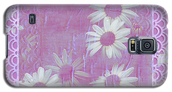 Galaxy S5 Case featuring the photograph Daisies And Paper Lace by Sandra Foster