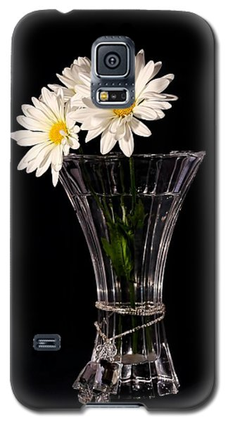Daisies In Vase Galaxy S5 Case by Tracie Kaska