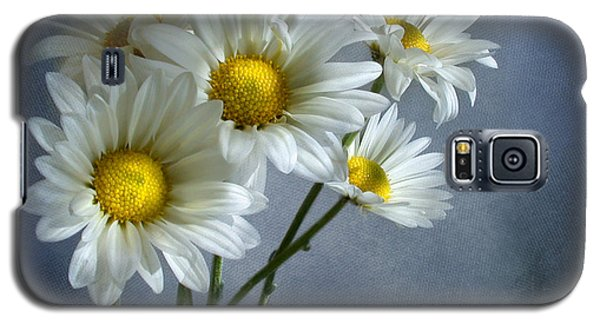 Daisy Bouquet Galaxy S5 Case by Ann Lauwers