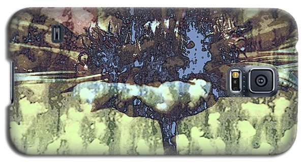 Galaxy S5 Case featuring the digital art Daisy Melt by Irma BACKELANT GALLERIES