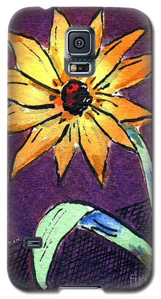 Daisy On Dark Background Galaxy S5 Case