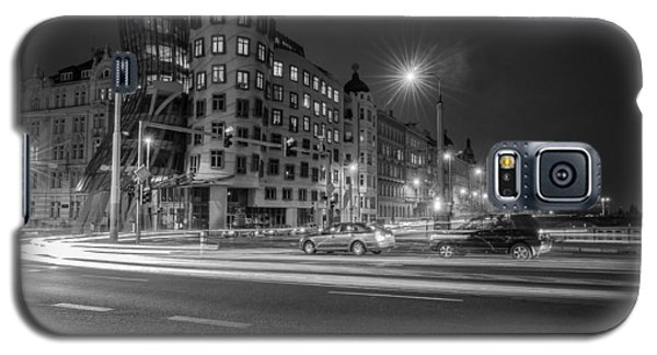 Galaxy S5 Case featuring the photograph Dancing House  B-w by Sergey Simanovsky