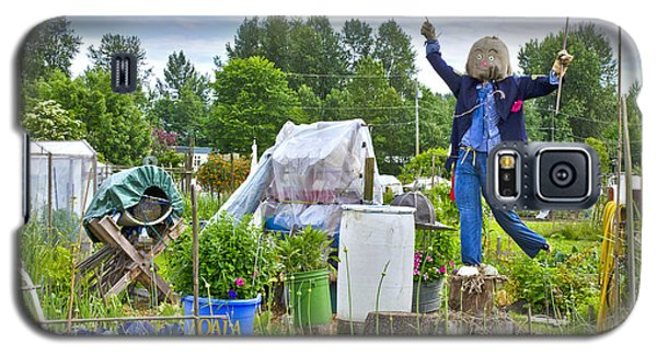 Dancing Scarecrow In The Garden Galaxy S5 Case by Maria Janicki