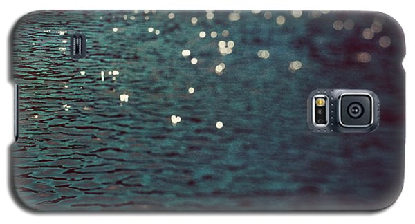 Galaxy S5 Case featuring the photograph Dancing Water by Kim Fearheiley