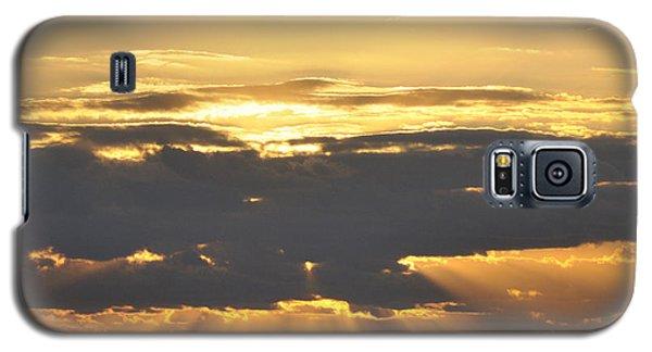 Dark Cloud Over Sea With Sunbeams Galaxy S5 Case