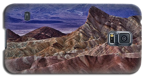 Galaxy S5 Case featuring the photograph Dawn At Zabriskie Point by Jerry Fornarotto