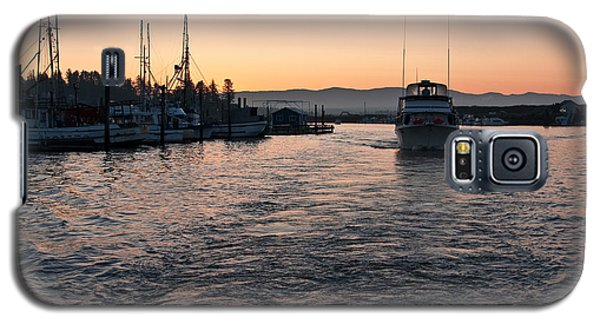 Galaxy S5 Case featuring the photograph Dawn Fishing by Erin Kohlenberg