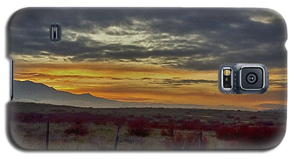Galaxy S5 Case featuring the photograph Dawns Early Light 1 by Joseph Hollingsworth
