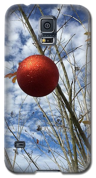 Galaxy S5 Case featuring the photograph December by Jean Marie Maggi