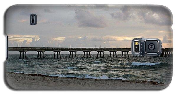 Galaxy S5 Case featuring the photograph Deerfield Beach International Fishing Pier Sunrise by Rafael Salazar