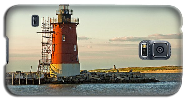 Galaxy S5 Case featuring the photograph Delaware Breakwater Light by Robert Pilkington