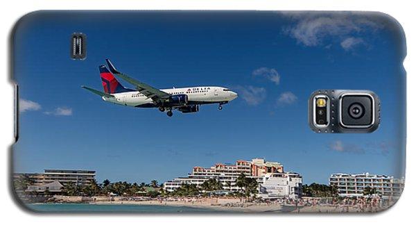 Delta 737 St. Maarten Landing Galaxy S5 Case by David Gleeson