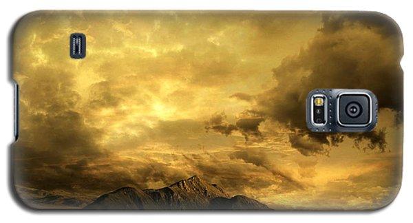 Galaxy S5 Case featuring the photograph Desert Evening by Franziskus Pfleghart