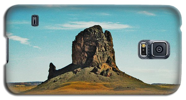 Galaxy S5 Case featuring the photograph Desert Sentinel by Sylvia Thornton
