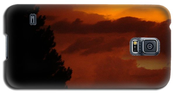Galaxy S5 Case featuring the photograph Desert Storm by Carla Carson