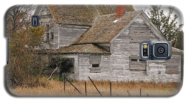 Galaxy S5 Case featuring the photograph Deserted House by Mary Carol Story