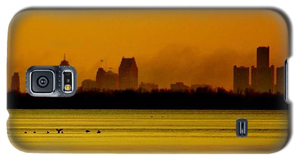Detroit At Dawn Galaxy S5 Case